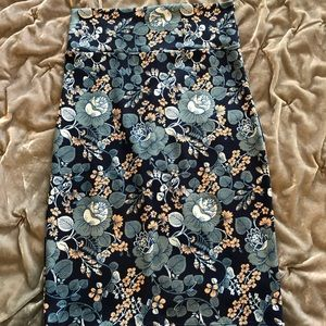 Floral stretchy soft pencil skirt by Agnes & Dora